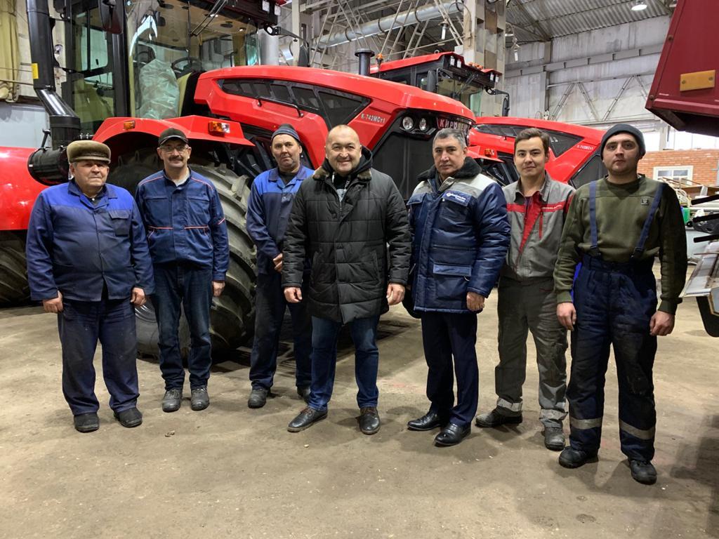 Сегодня ГУСП «Башсельхозтехника» РБ посетил самый сильный человек России — Эльбрус Нигматуллин