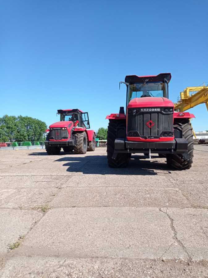 ГУСП «Башсельхозтехника» РБ является официальным дилером АО «Петербургский тракторный завод». Сегодня в наличии имеются трактора семейства Кировец серии К-742М Ст1 и К-739М Ст1.
