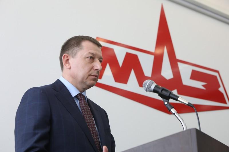 Поздравление от генерального директора ОАО «МАЗ» — управляющая компания холдинга «БЕЛАВТОМАЗ» Валерия Валерьевича Иванковича